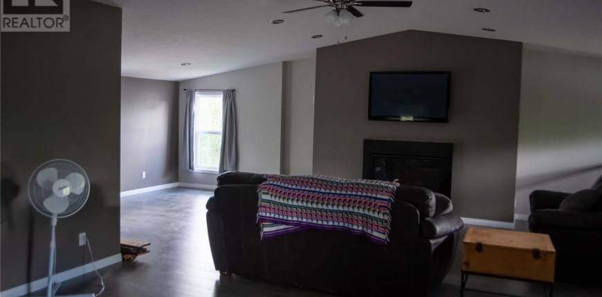 55 1st AVE, Round Lake, Saskatchewan, Canada S0G5C0, 7 Bedrooms Bedrooms, Register to View ,3 BathroomsBathrooms,House,For Sale,SK815250