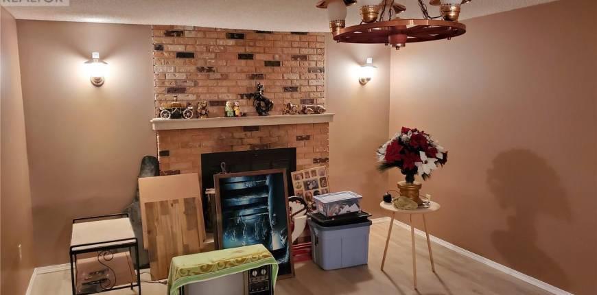 105 1st AVE, Kelliher, Saskatchewan, Canada S0A1V0, 3 Bedrooms Bedrooms, Register to View ,2 BathroomsBathrooms,House,For Sale,SK820989