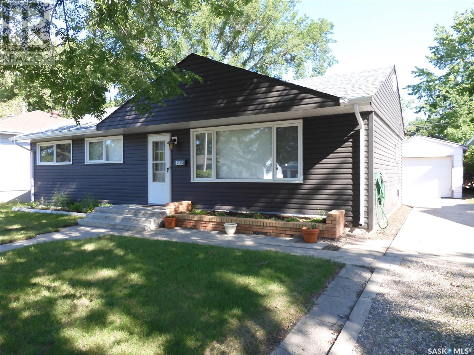 1508 Thorn CRES, Estevan, Saskatchewan, Canada S4A1V6, 3 Bedrooms Bedrooms, Register to View ,1 BathroomBathrooms,House,For Sale,SK821018