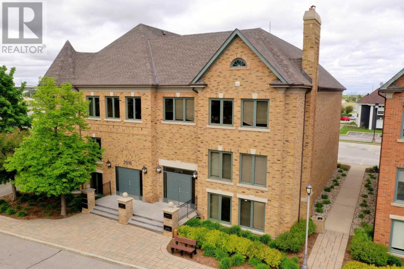2914 SOUTH SHERIDAN WAY, Oakville, Ontario, Canada L6J7L4, Register to View ,6 BathroomsBathrooms,For Sale,South Sheridan,W4848311