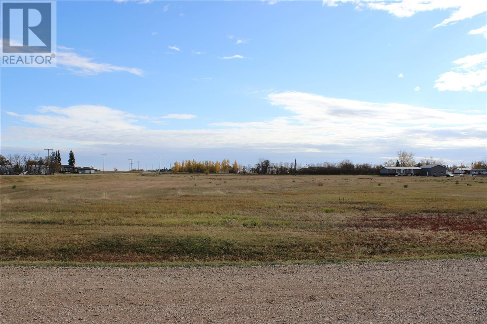 190 Robinson AVE, Macoun, Saskatchewan, Canada S0C1P0, Register to View ,For Sale,SK831412
