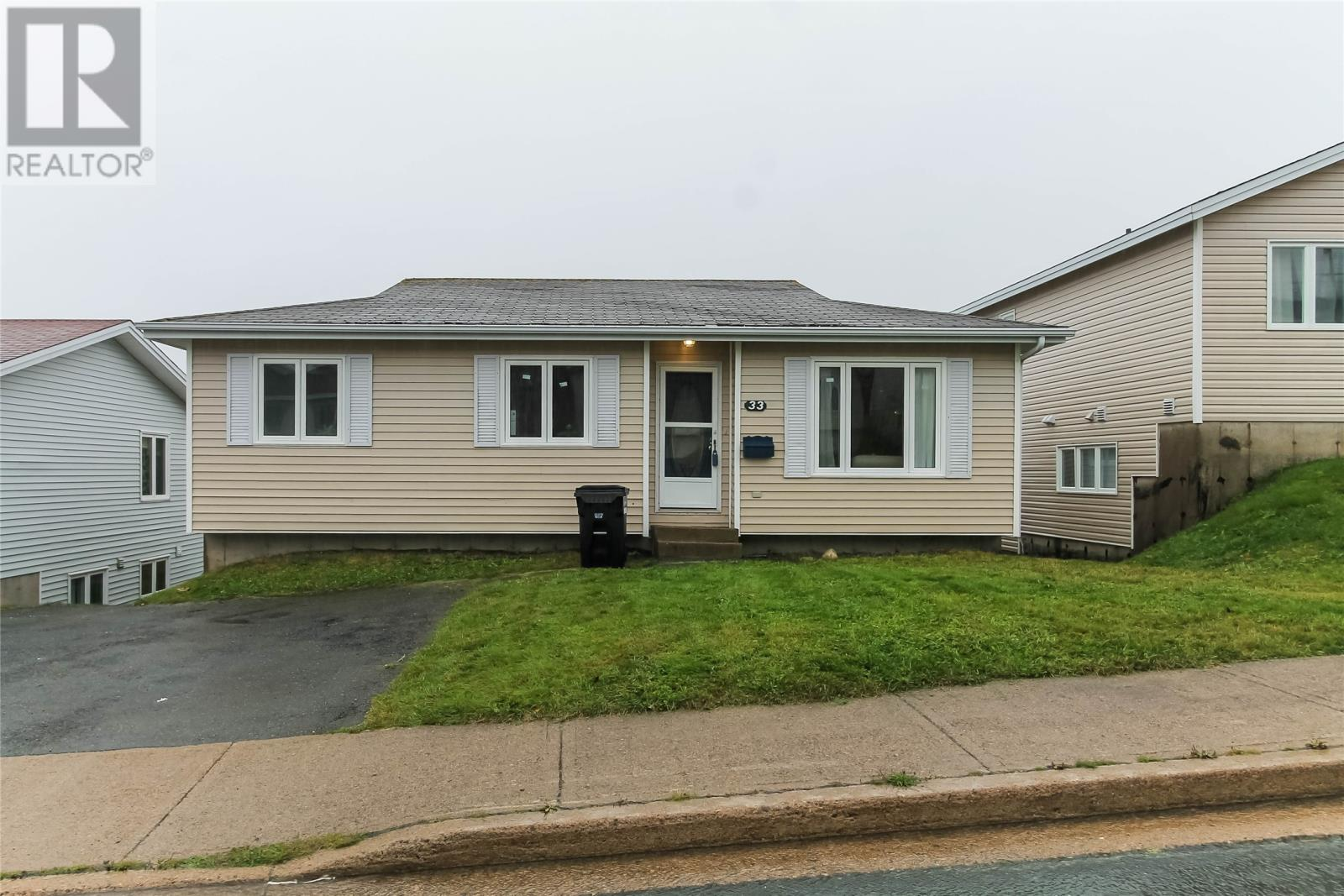 33 Edgecombe Drive, ST. JOHN'S, Newfoundland & Labrador, Canada A1B4P2, 6 Bedrooms Bedrooms, Register to View ,2 BathroomsBathrooms,Duplex,For Sale,Edgecombe,1225232