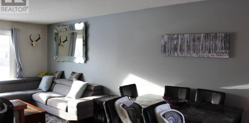 535 Poplar CRES, Shaunavon, Saskatchewan, Canada S0N2M0, 3 Bedrooms Bedrooms, Register to View ,2 BathroomsBathrooms,House,For Sale,SK840779