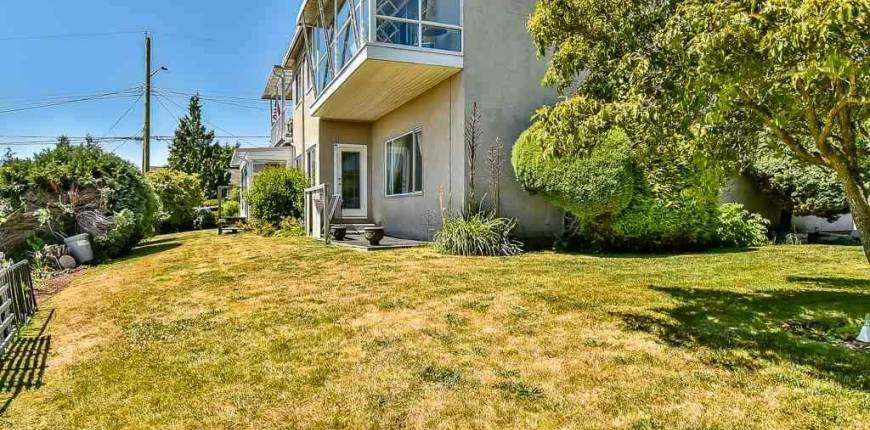 1 1040 PARKER STREET, White Rock, British Columbia, Canada V4B4R7, 2 Bedrooms Bedrooms, Register to View ,1 BathroomBathrooms,Condo,For Sale,PARKER,R2536327