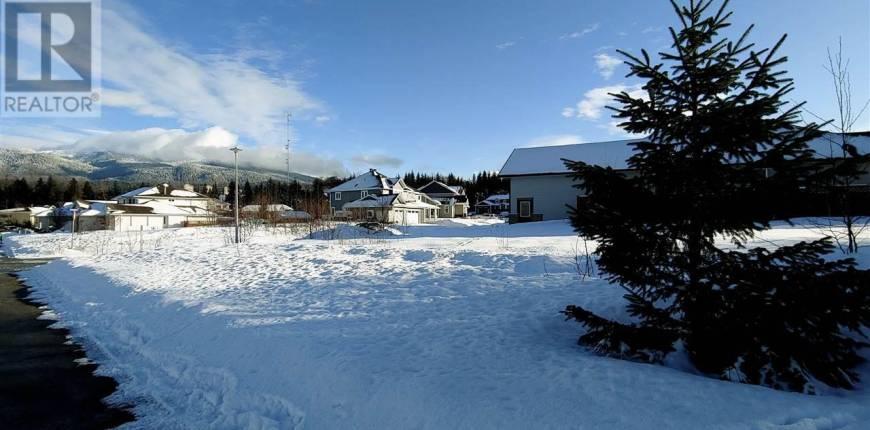 51 WAKITA AVENUE, Kitimat, British Columbia, Canada V8C2S1, Register to View ,For Sale,WAKITA,R2540300