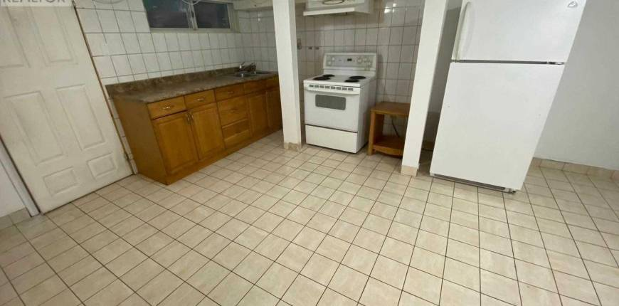 #B -806 ST CLAIR AVE, Toronto, Ontario, Canada M6C1B6, 3 Bedrooms Bedrooms, Register to View ,1 BathroomBathrooms,For Rent,St Clair,C5141890
