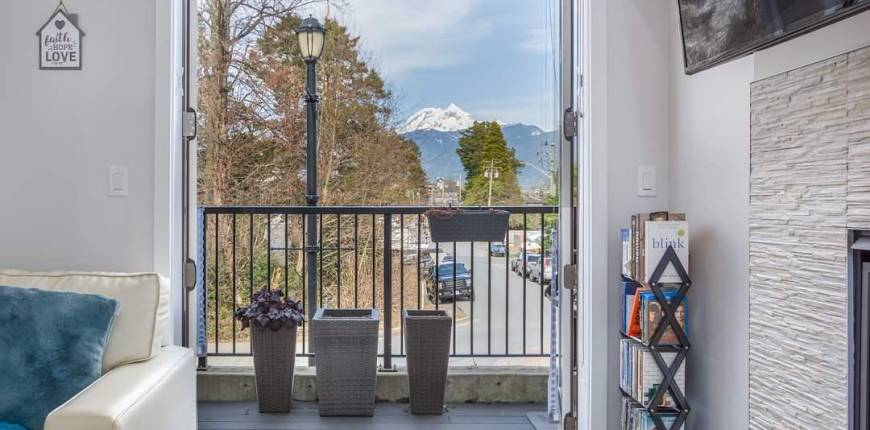 37 1188 MAIN STREET, Squamish, British Columbia, Canada V8B0Z3, 3 Bedrooms Bedrooms, Register to View ,3 BathroomsBathrooms,Townhouse,For Sale,MAIN,R2550512