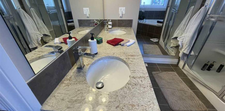 5520 43 ST, Lamont, Alberta, Canada T0B2R0, 3 Bedrooms Bedrooms, Register to View ,2 BathroomsBathrooms,House,For Sale,E4232942