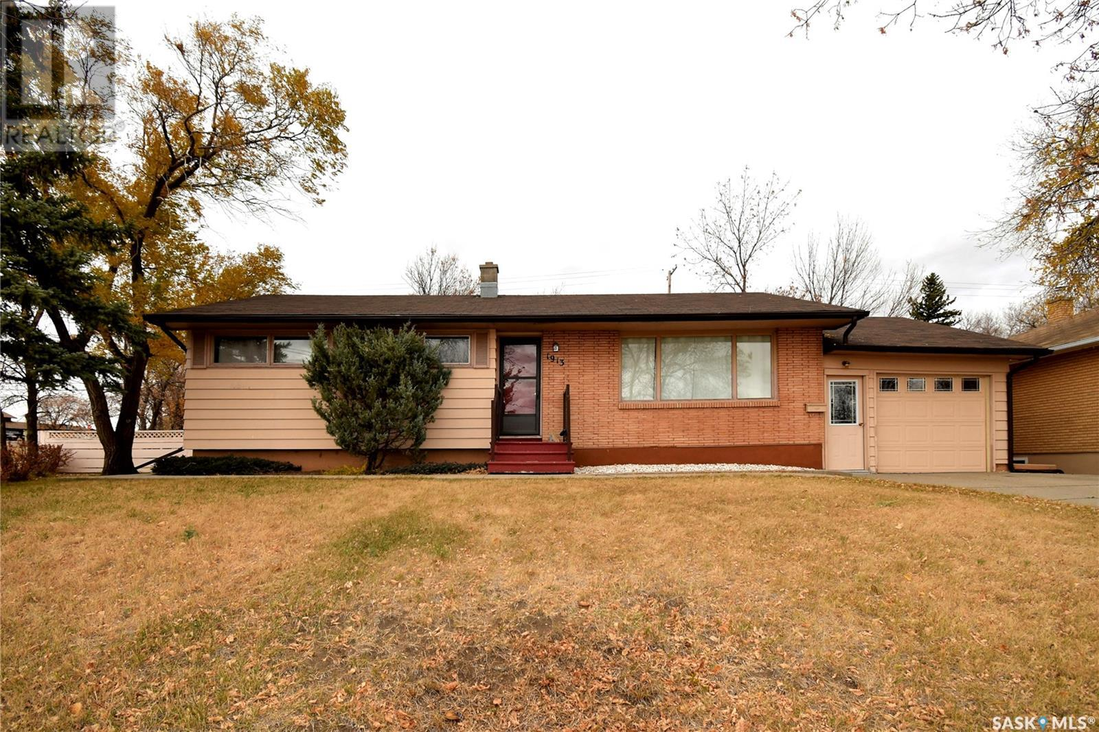 1913 Westview PL, Estevan, Saskatchewan, Canada S4A0X1, 4 Bedrooms Bedrooms, Register to View ,2 BathroomsBathrooms,House,For Sale,SK846342