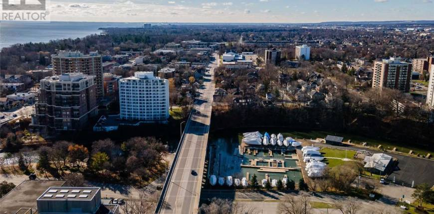 #202 -156 RANDALL ST, Oakville, Ontario, Canada L6J3B1, 2 Bedrooms Bedrooms, Register to View ,3 BathroomsBathrooms,Condo,For Sale,Randall,W5172106