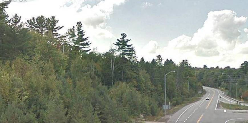 41 ONTARIO 141, Huntsville, Ontario, Canada P0B1M0, Register to View ,House,For Sale,Ontario 141,X5213693