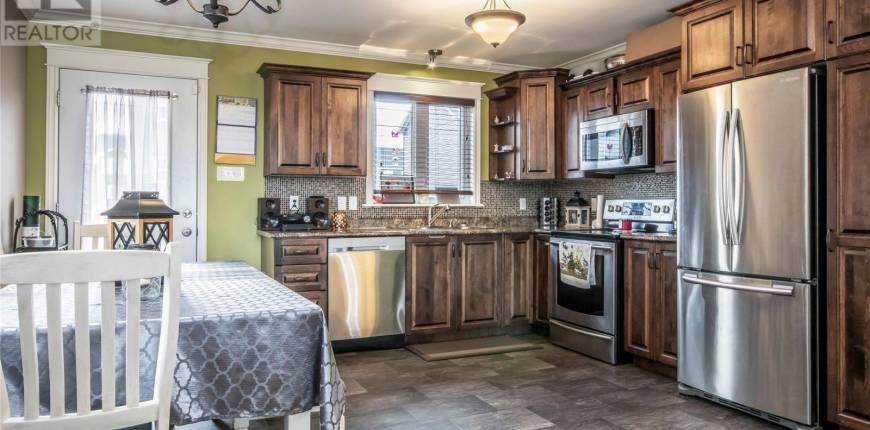 23 Bridgeport Street, Paradise, Newfoundland & Labrador, Canada A1L2R6, 5 Bedrooms Bedrooms, Register to View ,3 BathroomsBathrooms,Duplex,For Sale,Bridgeport,1229930