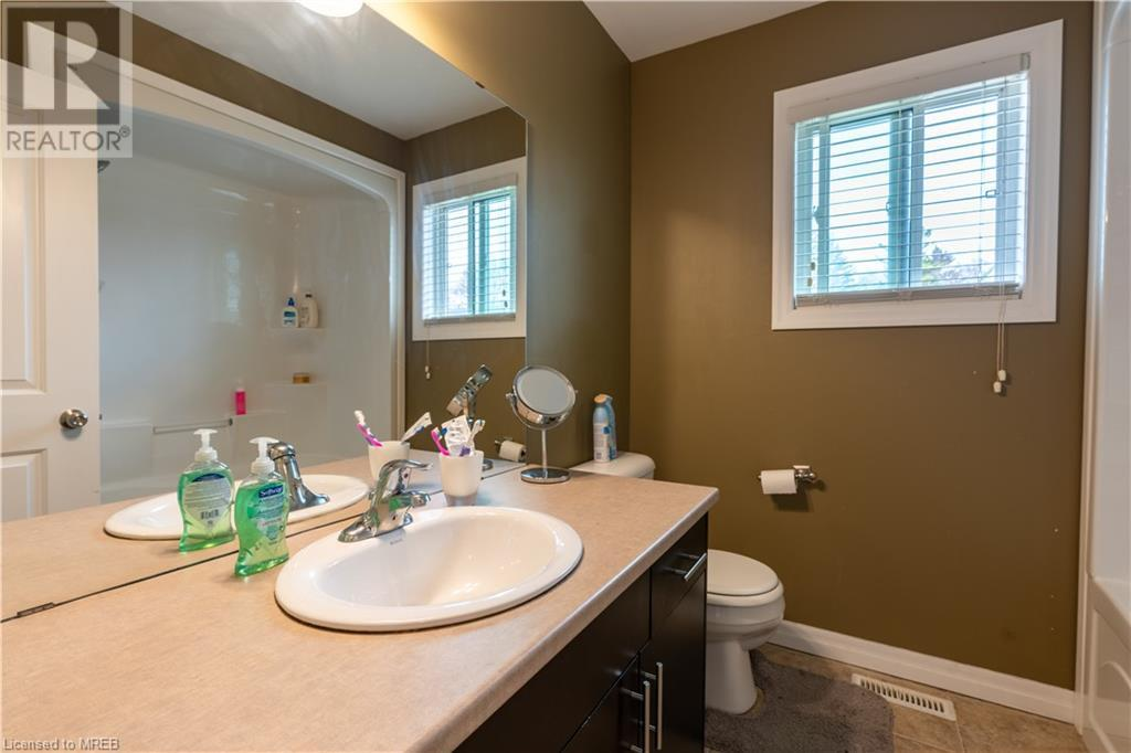 112 NORTH CENTRE Road Unit# 73, London, Ontario, Canada N5X0G9, 4 Bedrooms Bedrooms, Register to View ,4 BathroomsBathrooms,Townhouse,For Sale,NORTH CENTRE,40109999