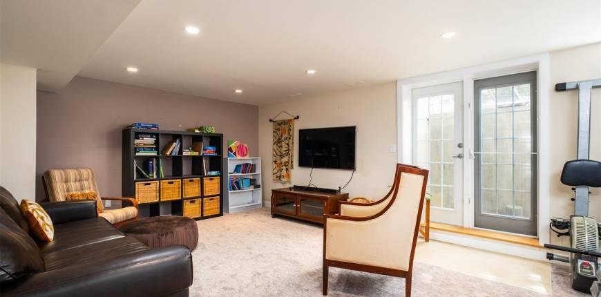 5 Marlboro RD NW, Edmonton, Alberta, Canada T6J2C7, 5 Bedrooms Bedrooms, Register to View ,4 BathroomsBathrooms,House,For Sale,E4242933