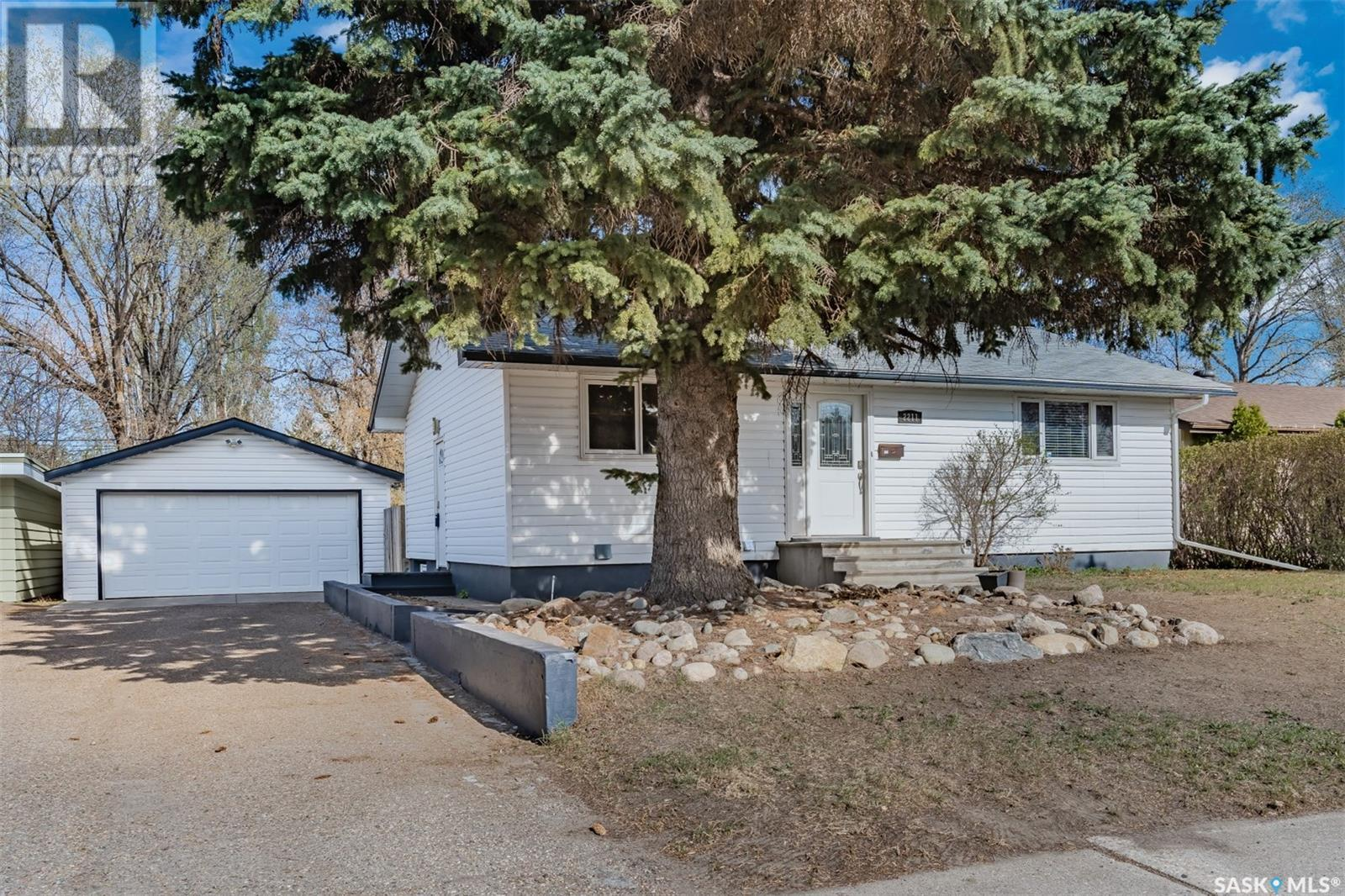 2211 Wiggins AVE S, Saskatoon, Saskatchewan, Canada S7J1W6, 2 Bedrooms Bedrooms, Register to View ,2 BathroomsBathrooms,House,For Sale,SK854547