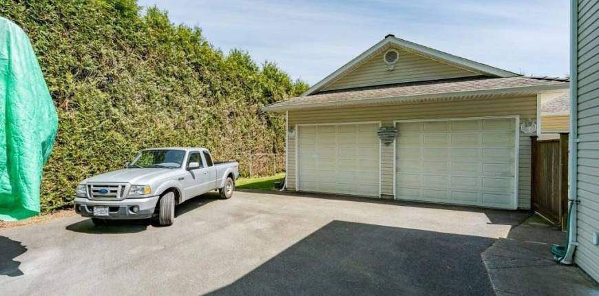5858 242 STREET, Langley, British Columbia, Canada V2Z1J8, 5 Bedrooms Bedrooms, Register to View ,3 BathroomsBathrooms,House,For Sale,242,R2581892