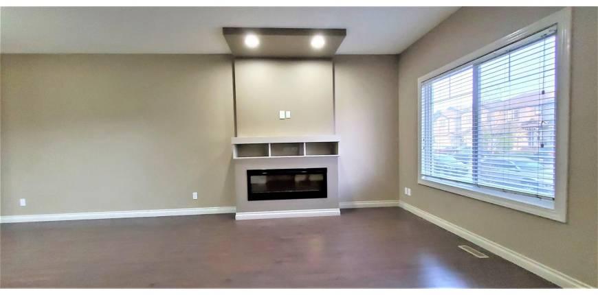 3016 17 AV NW, Edmonton, Alberta, Canada T6T0R9, 3 Bedrooms Bedrooms, Register to View ,3 BathroomsBathrooms,Duplex,For Sale,E4246299