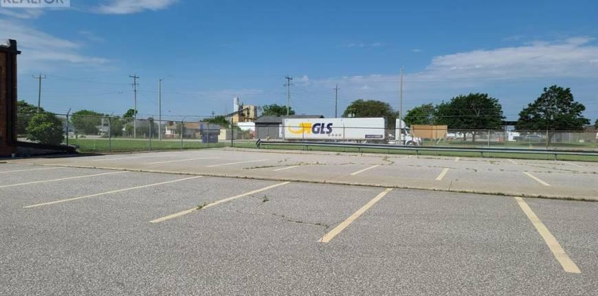 4960 WALKER, Tecumseh, Ontario, Canada N0R1L0, Register to View ,For Lease,WALKER,21009193