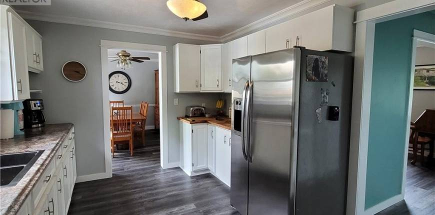 1044 MAIN Street, Port Dover, Ontario, Canada N0A1N2, 5 Bedrooms Bedrooms, Register to View ,2 BathroomsBathrooms,House,For Sale,MAIN,40124247