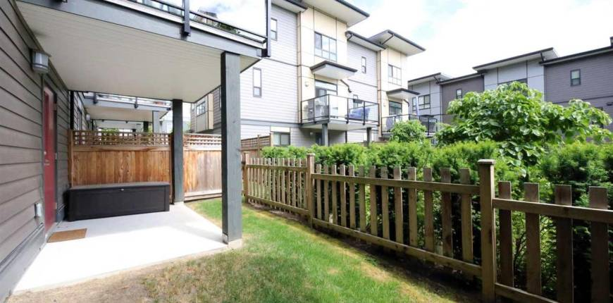 30 1938 NORTH PARALLEL ROAD, Abbotsford, British Columbia, Canada V3G0H1, 3 Bedrooms Bedrooms, Register to View ,3 BathroomsBathrooms,Townhouse,For Sale,NORTH PARALLEL,R2589930