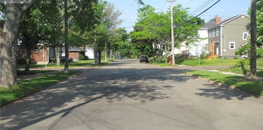 65 Burlington, Moncton, New Brunswick, Canada E1E1Z2, 4 Bedrooms Bedrooms, Register to View ,1 BathroomBathrooms,House,For Sale,Burlington,M135492