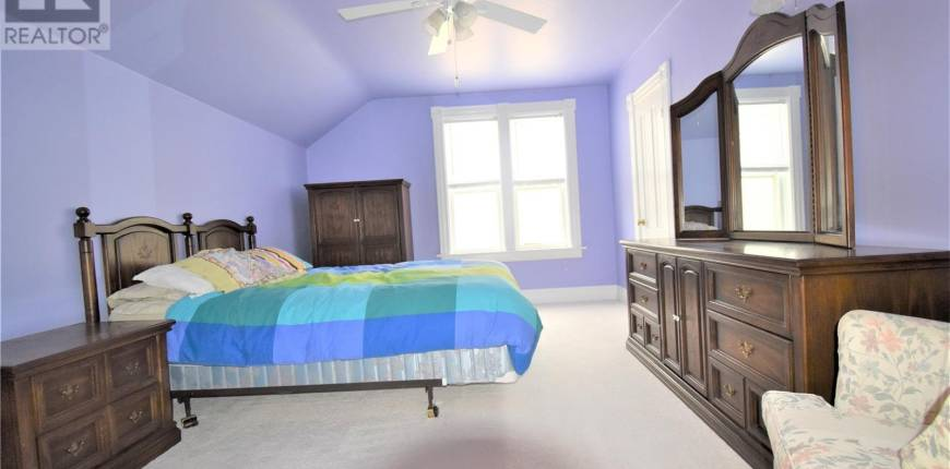 402 Jasper ST, Maple Creek, Saskatchewan, Canada S0N1N0, 4 Bedrooms Bedrooms, Register to View ,2 BathroomsBathrooms,House,For Sale,SK859216