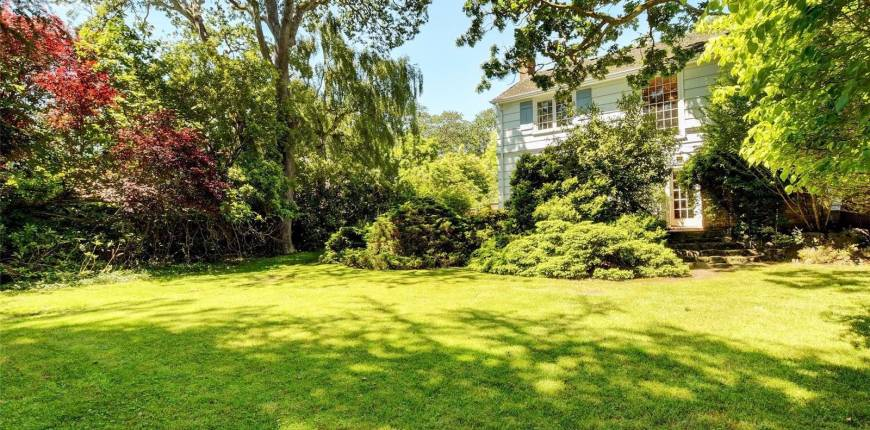 3275 Uplands Rd, Oak Bay, British Columbia, Canada V8R6B8, 4 Bedrooms Bedrooms, Register to View ,3 BathroomsBathrooms,House,For Sale,Uplands,878835