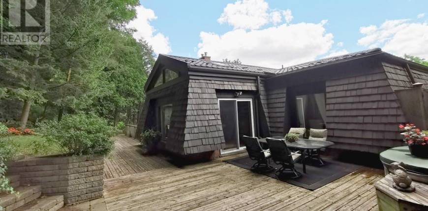 252 SHAKESPEARE Drive, Waterloo, Ontario, Canada N2L2T6, 4 Bedrooms Bedrooms, Register to View ,4 BathroomsBathrooms,House,For Sale,SHAKESPEARE,40133146