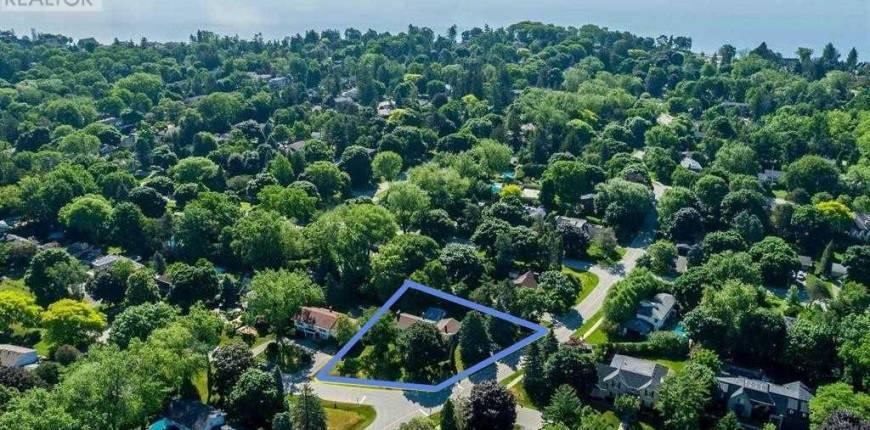 1304 HILLHURST RD, Oakville, Ontario, Canada L6J1X5, 5 Bedrooms Bedrooms, Register to View ,7 BathroomsBathrooms,House,For Sale,Hillhurst,W5283814